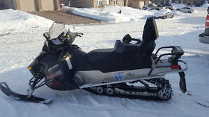 Skidoo Grand Touring Sport Only 1,000 km!!!
