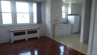 REDUCEDKIRKLAND LAKE 2 BDRM, COIN LAUNDRY, SECURE BUILDING!!