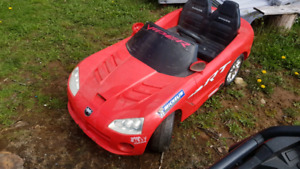 12v Dodge Viper.  power wheels type kids ride on battery car