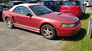 2002 Ford Mustang Convertible / Décapotable