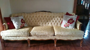 $400 - Vintage Couch and Love Seat