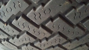 Volvo 4 pnues d'hiver 205-55-16 pattern 5x108
