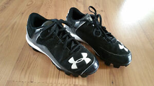 Size 3 girls Under armour baseball cleats