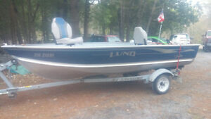 2004 Lund Fishing Boat with motor and trailer