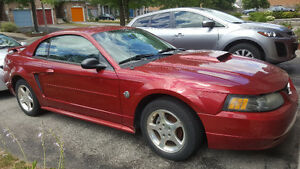 2004 Ford Mustang Coupe (2 door)