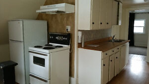 1 Bdrm apt + den available for rent in Cobourg! GREAT location!