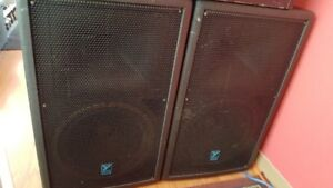 """2 YORKVILLE """"PULSE TM 12"""" PA speakers or Monitors"""
