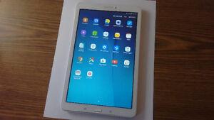 Tablette Samsung Galaxy Tab E- 9,6 pouces- 16go- Vitre cassée
