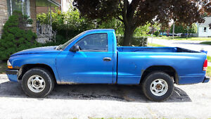 2001 Dodge Dakota Base Pickup Truck