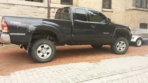 2007 Toyota Tacoma SR5 Pickup Truck - Very Clean and serviced