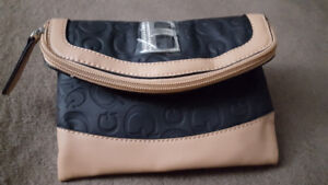 Guess sac complètement neuf