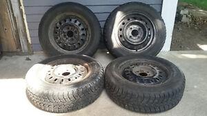 Pneus d'hiver sur rims/Winter tires on rims 185R65/14