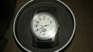 SWISS VICTORINOX ICECAPS WATCH