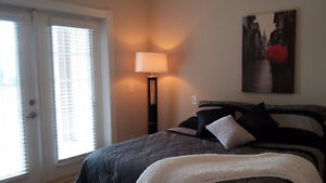 'GEORGEOUS' room for rent in Glenmore with bus out the door
