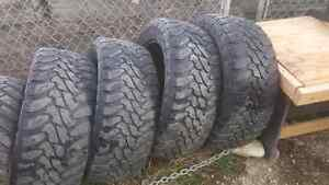 Toyo open country M/T 35X12.5 R22