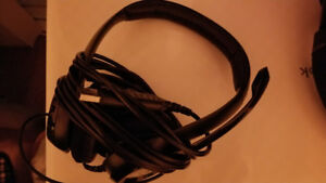 H390 Logitech Headset (with mic)
