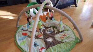 Tapis dactivites Skip Hop Baby Activity Gym, Treetop Friends