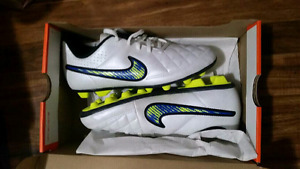 Youth size 4 Nike Soccer cleats