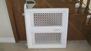 Safety 1st Baby Gate - great condition