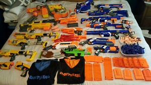 HUGE Collection Nerf guns & accessories