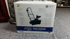 For sale brand new snow thrower model Sj618E
