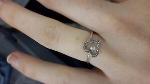 10k white gold heart ring