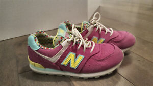 New balance girls sneakers: size 10