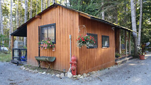 Cozy Cabin in the Woods / Weekly or Monthly Rental)