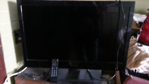For sale 32in Emerson LCD television needs fixing