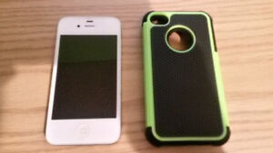 IPHONE 4S ALMOST NEW W/ OTTER BOX Peterborough Peterborough Area image 1