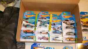 Huge lot Hot Wheels Cars Over 300 Some Rare