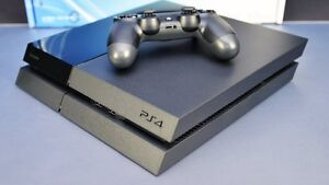 Excellent condition PS4 500GB with controller and game