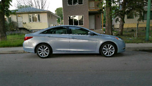 2011 Sonata. Warranty until 200km.