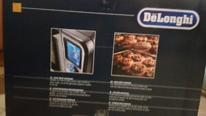 BRAND NEW never used delonghi toaster oven London Ontario image 5