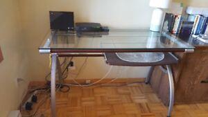 Table de travail Design pour petit espace.. AUBAINE ....