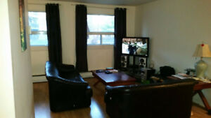 Large 1 Bedroom Apartment in Prime Location!