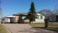 FORT GARRY BUNGALOW - 11 GLENGARRY DRIVE