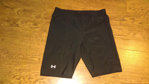 Under Armour Fitted Shorts Size Large