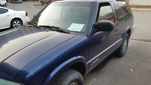 2002 GMC Jimmy -4x4, 2dr with e-test.