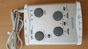 TASCAM US-122L USB 2.0 AudioMIDI Interface