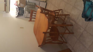 Nice wood kitchen table , 4 chairs