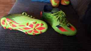 Messi cleats.. size 7 .. soccer