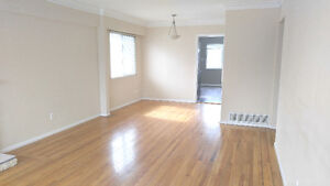 $2100 / 3br - 1100sqft - 3BR HOUSE IN KILLARNEY (VANCOUVER EAST)