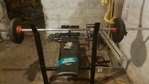 BENCH PRESS with METAL WEIGHTS