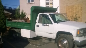 Chevy 3500 Flatbed Pick-up Truck