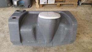 Réservoir toilette chimique commerciale