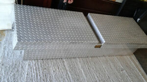 STAINLESS STEEL TRUCK BOX