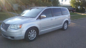 2010 Chrysler Town & Country Touring 4.0 l
