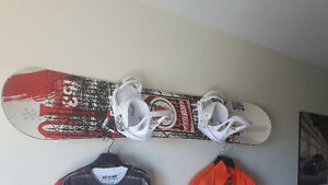 COMPLETE SNOWBOARD/BINDINGS/BOOTS SETUP