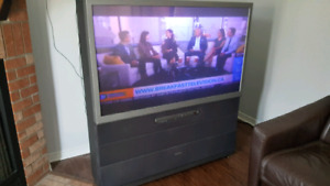 "Toshiba 50H82 50"" Rear Projection TV"